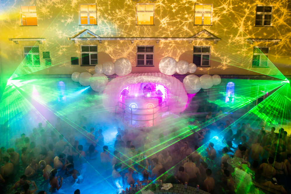 Lukacs-Baths-Budapest-Spa-Party.jpg